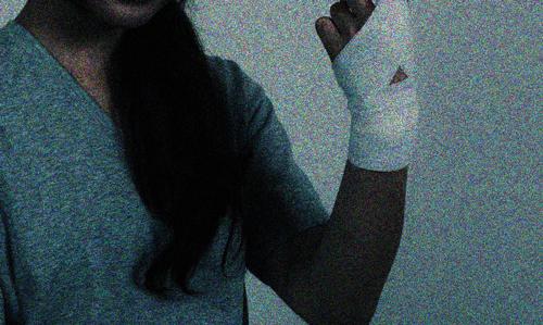 女の怪談 傷口