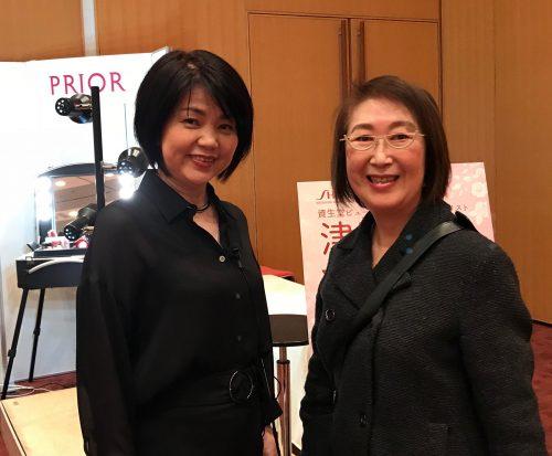 東京からおいでの、ビューティレッスン講師、資生堂ビューティトップスペシャリストの津田浩世さん。熊本県のご出身だそうです。