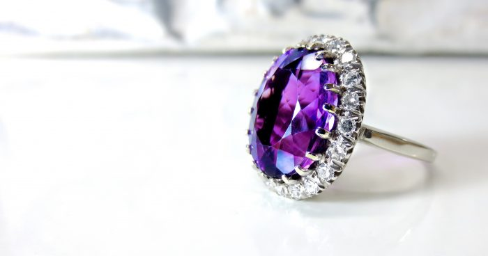accessory-amethyst-birthstone-371102